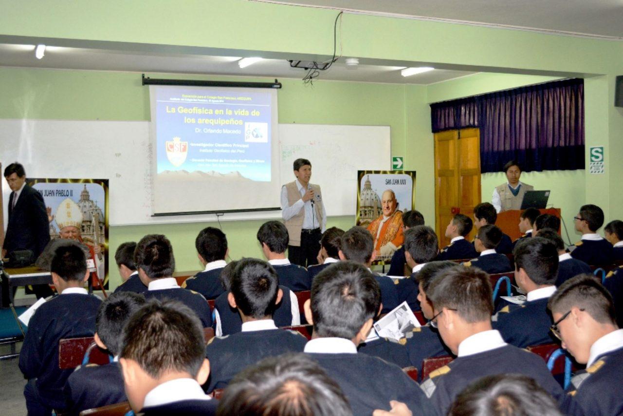 059641-inician-charlas-colegios-arequipa-prevenir-desastres