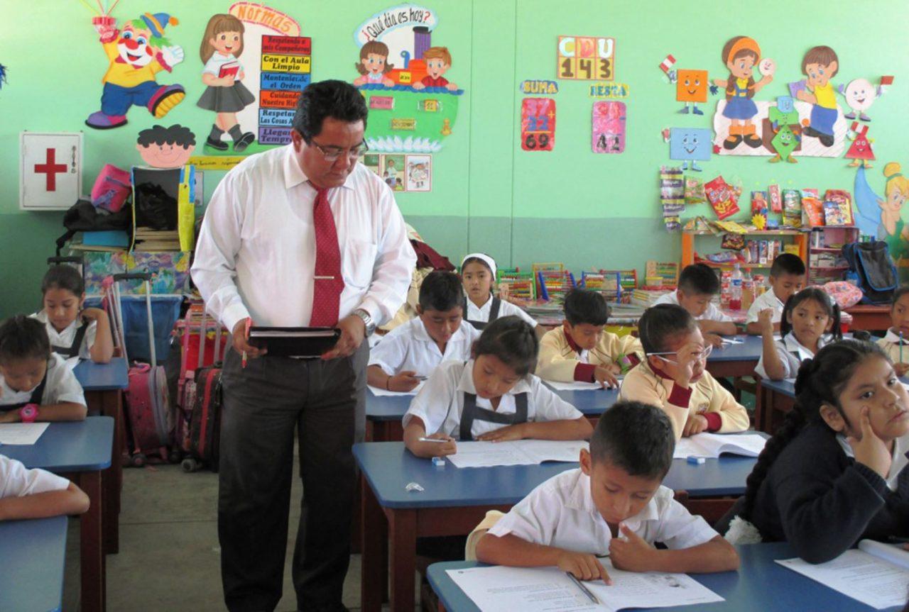 maestros en clase