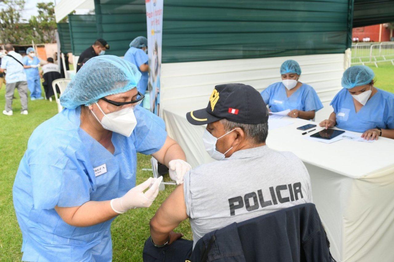 policias vacunados