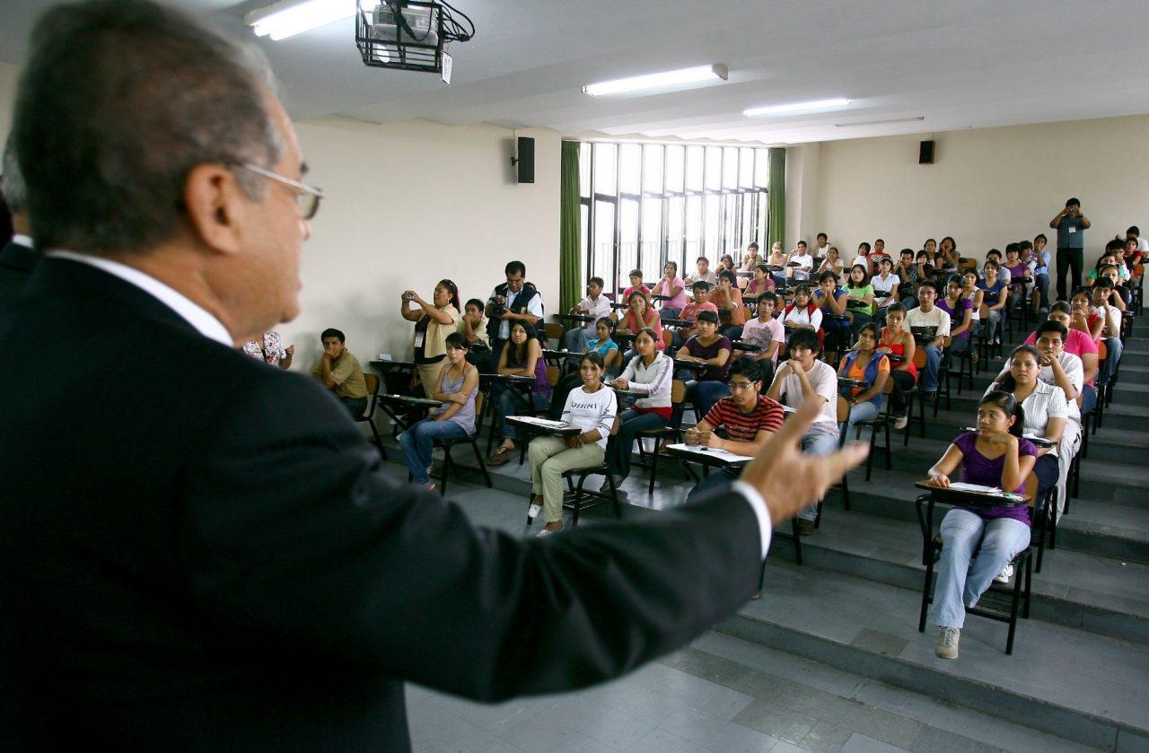docente universitario 2021